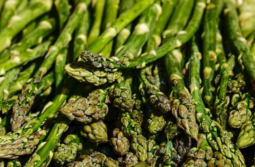 How To Grill Asparagus (The Right Way)